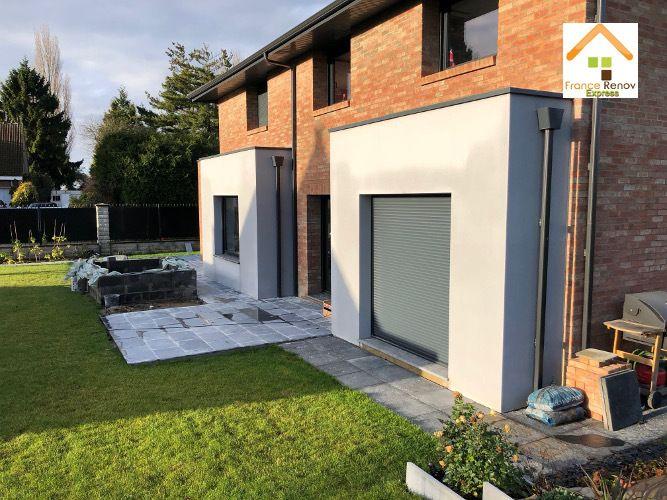 Aménagements extérieurs à Bois-Grenier : Terrasse en pierre bleue / Pergola avec structure bois, revêtement bitumineux, pavage / enduits grattés/ Chalet en bois