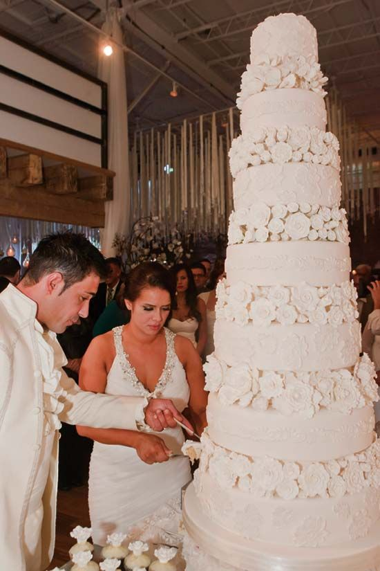 Best 25 Huge Wedding Cakes Ideas On Pinterest Extreme
