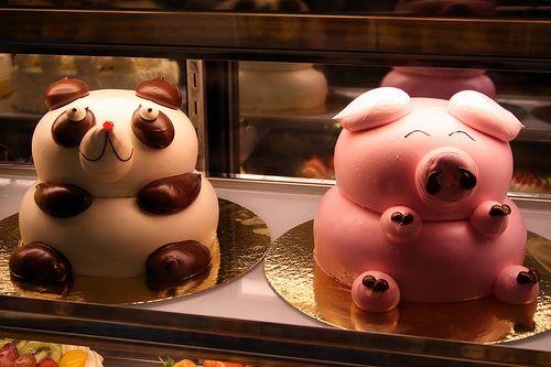 Panda and Piggy cakes