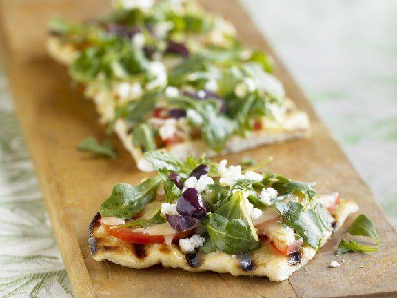 Rezept: Toskanisches Brot (Focaccia) mit Rucola, Tomaten und spanischem Käse