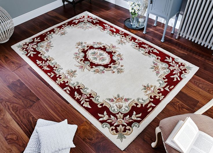 Hand tufted using premium wool fibre, this Royal Cream Traditional Rug is a rug with a royal like theme. #traditionalrugs #creamrugs #creamtraditionalrugs #largerugs #woolrugs