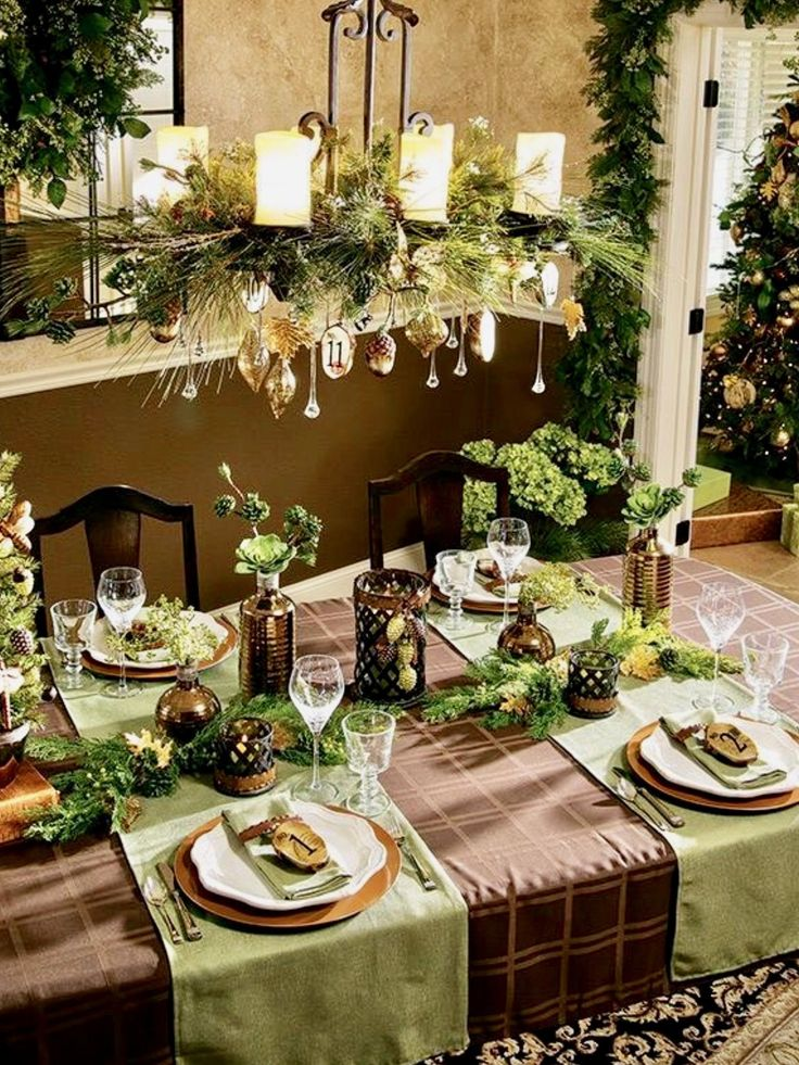 1204 best christmas table decorations images on pinterest christmas tablescapes christmas. Black Bedroom Furniture Sets. Home Design Ideas