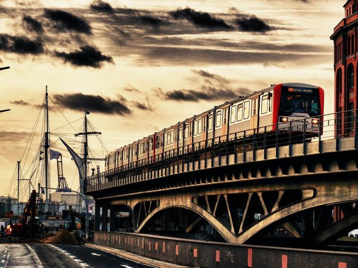 U1, Baumwall, Hamburg