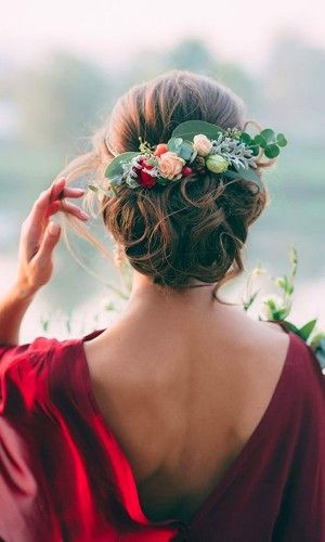 most romantic updos & hairstyles 20