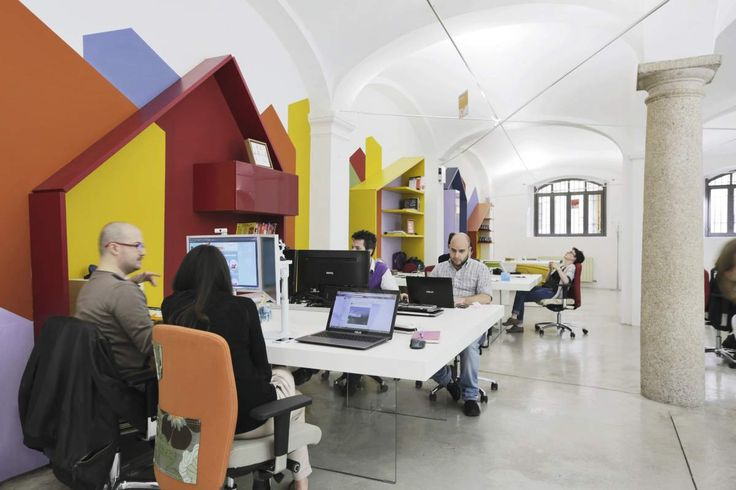 LAGO AT WORK @Milano Monforte | A web agency with 15 energetic and passionate people. An open space office, welcoming and dynamic. #lagodesign #interiordesign #workspace @monfortesrl