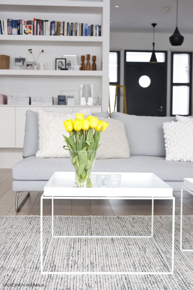 Via Divaaniblogit | White table | Tom Dixon Lamp | Hay Tray Table