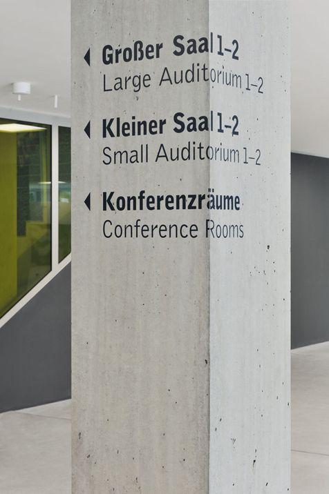ORIENTIERUNGSSYSTEM HEINRICH-BÖLL-STIFTUNG BERLIN, DEUTSCHLAND