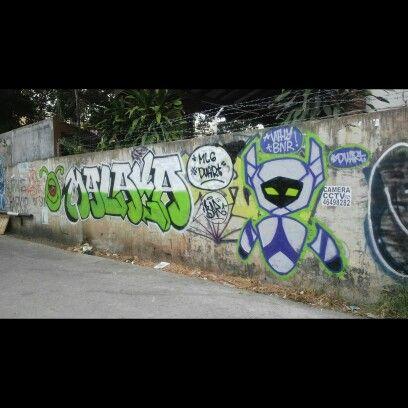 Malaga #duART #crew #character #robot #graffiti #simple #font. #BNR