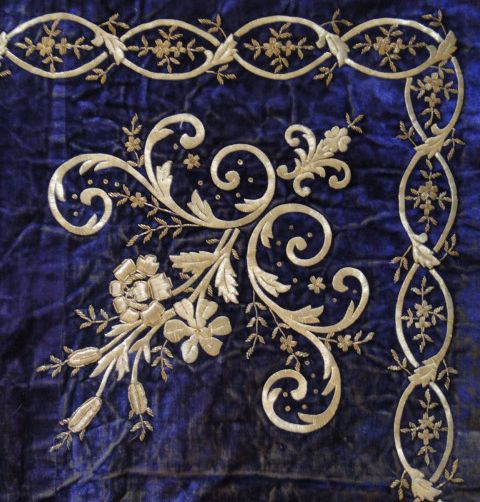 Buyer & Seller of Antique Lace, Fine Linens, Vintage Clothing, Haute Couture, Textiles, Fans: Antique Textiles