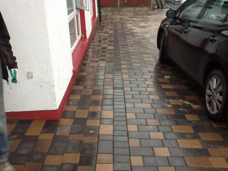 Standard Cobble lock   Tan & Charcole