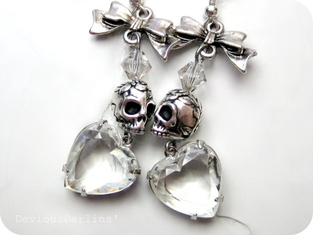 Sparkly silver Sugar Skulls earrings, with vintage rhinestone glass hearts <3 From Devious Darlins'..