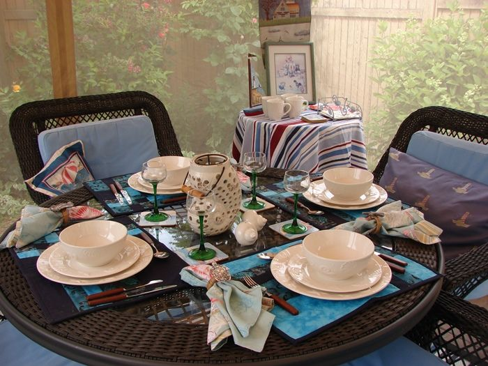 Delightful Screened Canopy Room For Summer Dining And Entertaining