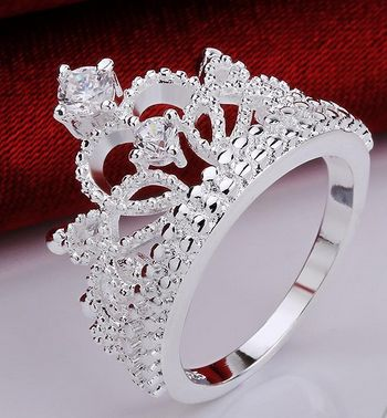 You don't have to be royalty to be a princess. Give this intricately-designed ring to your princesses and see the delight in their eyes. Sizes are available. Item Type: Ring Material: Silver-Plated Ac