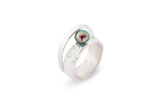 Hoge zilveren ring met ZWARTE zoetwater door LiesWambacqJewelry