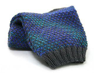Broken seed stitch socks using Rohrspatz & Wollmeise Sockenwolle with good stitch definition