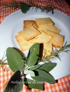 Crackers al rosmarino e farina di mais