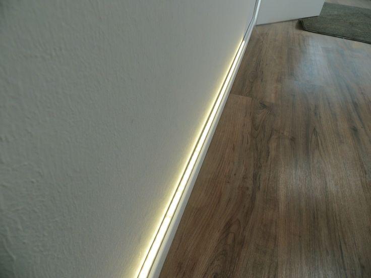 beleuchtete sockelleisten mit led s ti41 hitoiro. Black Bedroom Furniture Sets. Home Design Ideas