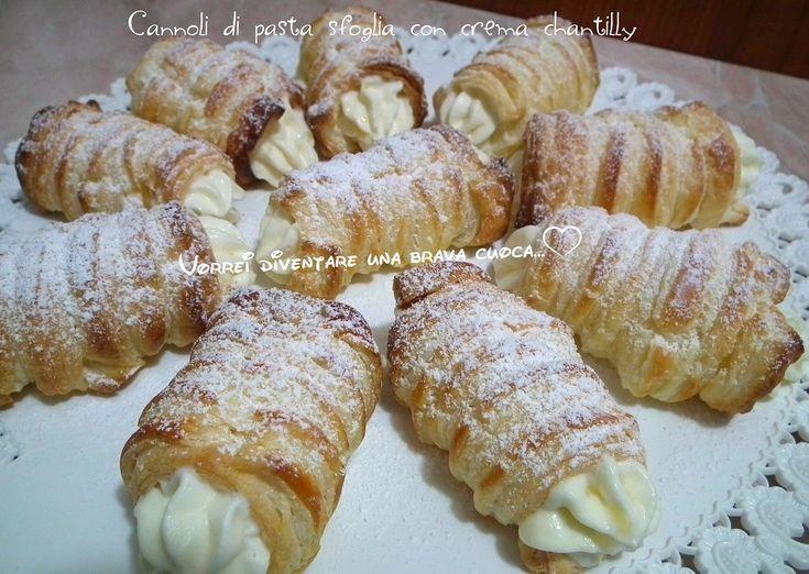 Cannoli+di+pasta+sfoglia+con+crema+chantilly