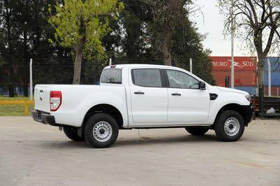 Nueva Camioneta Ford Ranger XL Cabina Doble 4x2 Nafta en las oficinas de Ford 19.09.2016Foto. Maxi Failla nuevo modelo Camioneta Ford Ranger XL presentacion nuevo auto coche camioneta