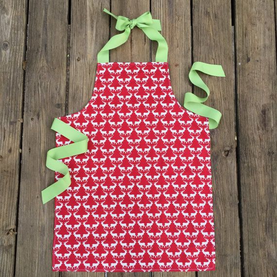 Christmas apron for tween girls - tween girl gifts - lightweight craft apron for teens and tweens - holiday baking apron