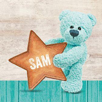 Er is een ster geboren! Dit geboortekaartje is voorzien van een turquoise beer die de geboorte van een jongen aankondigt.