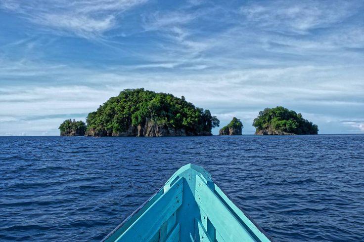 Pulau setan  . .  ____________________ #ogearthemus #photo #photography #life #travelling  #instatravel #me #love #fujifilm #fujifilm_id #roadtrip  #destination #adventure #nature #vacation #TravelLife #luxurylife #luxury #island #indonesia #igtravel #travelphotography