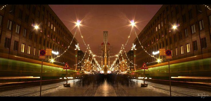Mirror City by Pajunen