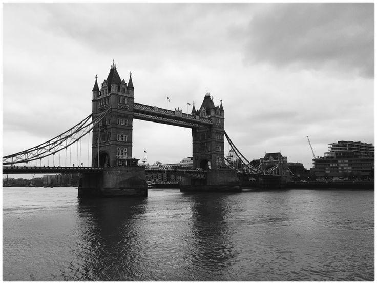 JUNE GOLD | Travel Diary London - Tower Bridge