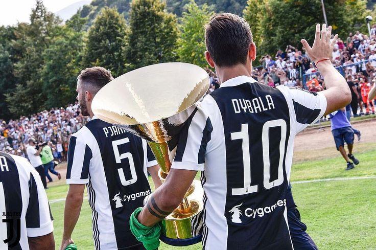 "5,437 Likes, 1 Comments - @abangbola on Instagram: ""Upacara tradisi tahunan, perlawanan Juventus Senior vs Juventus Junior. sambil sesi beramah mesra…"""