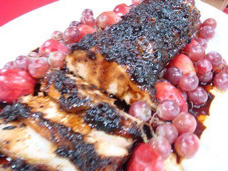 Lomo navideño (06 noviembre 2014) 3 kilos lomo cerdo redondo 1 taza vino blanco 1 cucharada ajo 1 cucharada condimento completo 1/2 cucharadita pimienta 1 cucharadita orégano 1 cucharadita sal Poner lomo en cazoleja alta. Inyectar con vino. Mezclar ajo, condimento completo, pimienta, orégano y sal y frotar el lomo. Refrigerar la víspera. 1/4 taza…