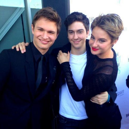 Left to right: Ansel Elgort, Nat Wolff, and Shailene Woodley! The tfios cast! Agustus, Isaac, and Hazel Graze
