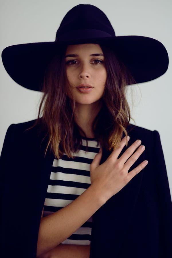 big hat & stripes #style #fashion #harperandharley