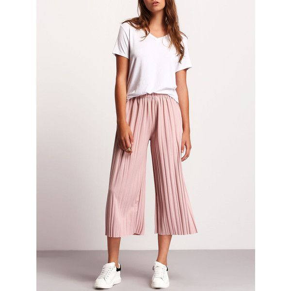 Simple outfit with light pink culottes