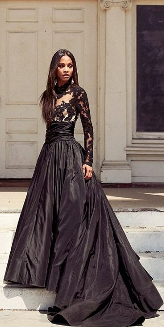 Zoe Saldana in D & G for Harper's Bazaar Arabia. There's just too much beauty in this pin.  I honestly really do love the dress.  And Zoe is just amazing.