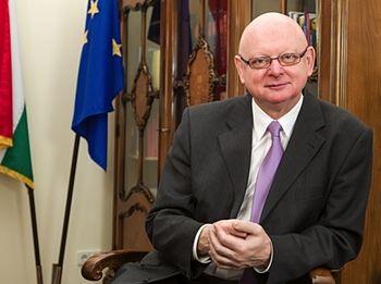 Посол Венгрии в Украине Михаль Байер: Поддерживаем курс Украины к европейской интеграции http://www.news24ua.com/posol-vengrii-v-ukraine-mihal-bayer-podderzhivaem-kurs-ukrainy-k-evropeyskoy-integracii