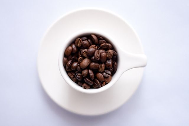 Found in coffee and chocolate, the stimulant caffeine has many positives but also a few negatives. We take a look at thirteen pros and cons of caffeine ~ http://livebetter.co.za/pros-cons-of-caffeine/
