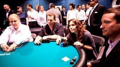 Annie Duke sometimes felt like an impostor at the poker table, but learned to turn perceived stereotypes about women to her advantage.