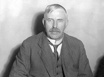"""Ernest Rutherford New Zealand-born Rutherford (1871-1937) is considered one of the greatest of all experimental physicists. He discovered the idea of radioactive half-life and showed that radioactivity involved the transmutation of one chemical element to another. He was awarded a Nobel in 1908 """"for his investigations into the disintegration of the elements"""". #Physics"""