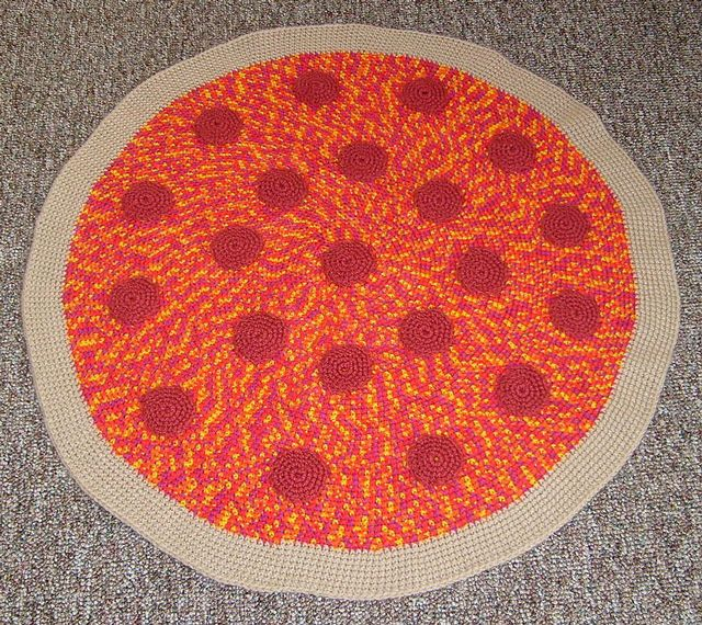 There's no better feeling in the world than a warm pizza rug under your feet. #crochet #pizza #foodie: Crochet Blankets, Pizza Blankets, Crochet Food, Pepperoni Pizza, Hands Crochet, Crochet Rugs, Crochet Pizza Rugs 2 Jpg, Cool Ideas, Crochet Pepperoni