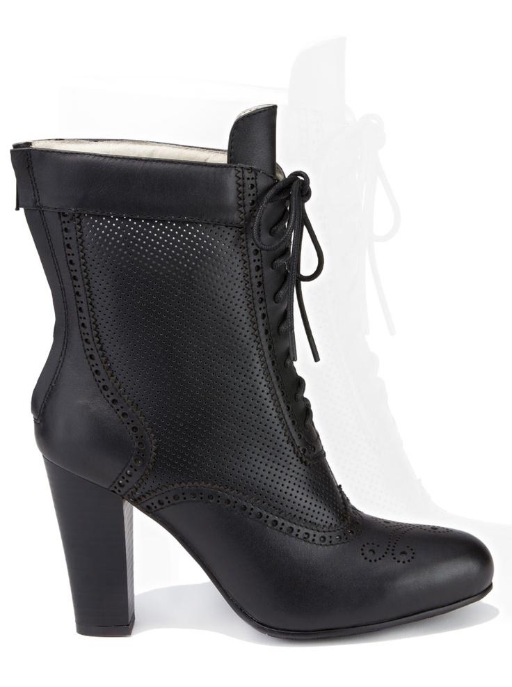 60 best trachten schuhe damen images on pinterest boot socks dress socks and ladies shoes. Black Bedroom Furniture Sets. Home Design Ideas
