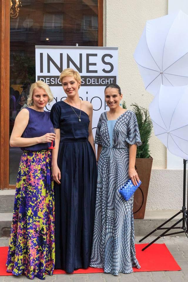 In curand veti putea gasi Creatiile noastre in magazinul Innes Designers Delight. Am avut onoarea sa luam parte la lansarea magazinului Innes Designers Delight . Datorita conceptului pe care magazinul il are, Creatiile noastre se incadreaza perfect conceptului.  Le multumesc frumoaselor doamne care ne-au purtat creatiile!