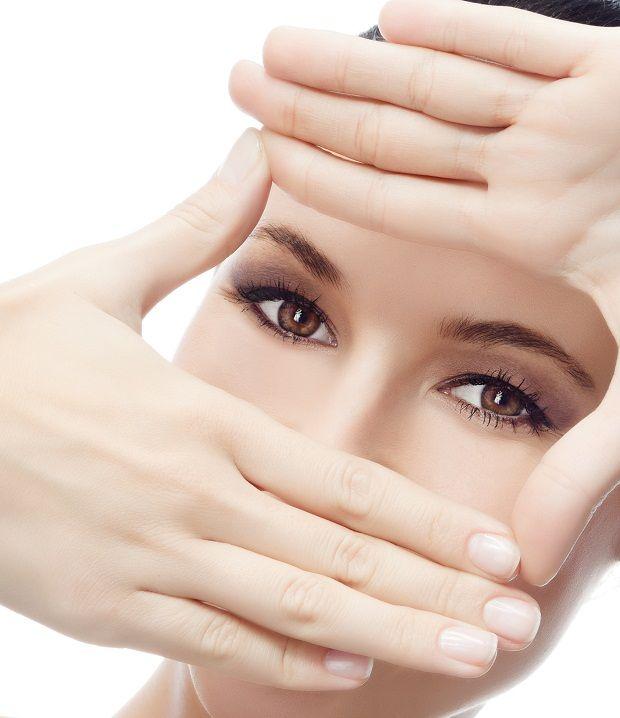 İşte Size Sağlıklı Ve Güçlü Gözler..  Yaş ilerledikçe gözlerimiz sağlığını kaybeder. Görüntüde bulanıklık, uzağı ya da yakını görememe gibi bir çok göz kusurları ortaya çıkar. Çalışma hayatının da etkisiyle erken yaşlarda da görülen bütün bu göz kusurları uygulanan tedavi sayesinde durdurulabilmektedir.