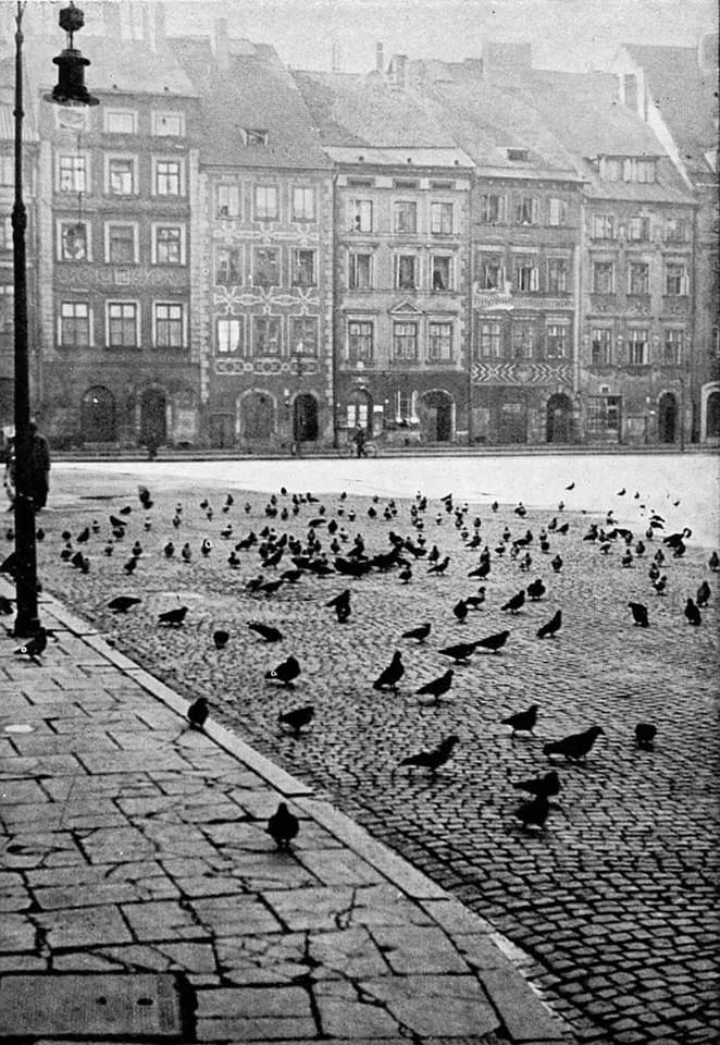 Rynek Starego Miasta w 1936 roku. https://web.facebook.com/ABCWarszawy/photos/a.1417972585112032.1073741826.1417970898445534/1822111244698162/?type=3&theater