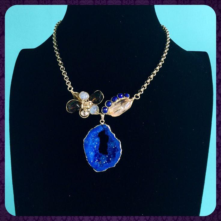 Collar alambrado de geoda agata azul con citrino y ambar