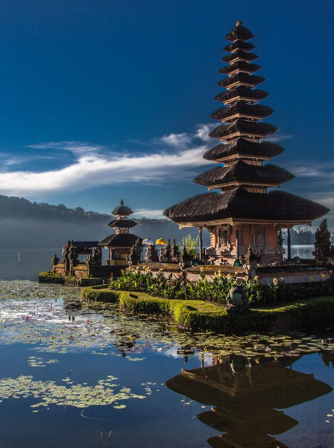 Danau Bratan, Temple on the Lake Bratan, Bali