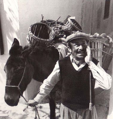 selling greengrocery  Πλανόδιος μανάβης.