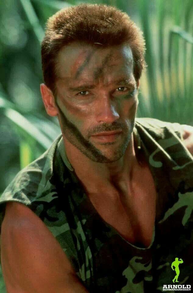 Predator shot | Arnold Schwarzenegger bodybuilding | Pinterest Gerard Butler