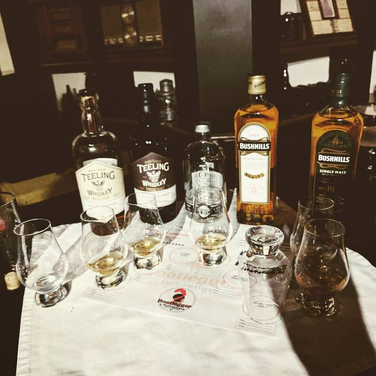 Picture of the Whiskey on offer at the Irish Whiskey tasking @bootleggerlauthentique . There is also a Red Breast 12 year that was out of frame. Once again a great event!  #irishwhiskey #Teeling #redbreast #whiskey #514 #Montreal #bar