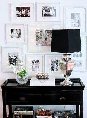 Entryway.Ideas, Entry Tables, Black And White, Gallery Walls, Photos Wall, Black White, Families Photos, White Frames, Pictures Frames