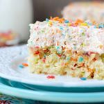 A little Fruity Pebble Cereal Milk Poke Cake to kick off the weekend beyondfrosting Link in profilehttpbeyondfrostingcomfruitypebblecerealmilkpokecakefruitypebbles pokecake cerealmilk